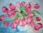 großer roter Tulpenstrauß in Vase